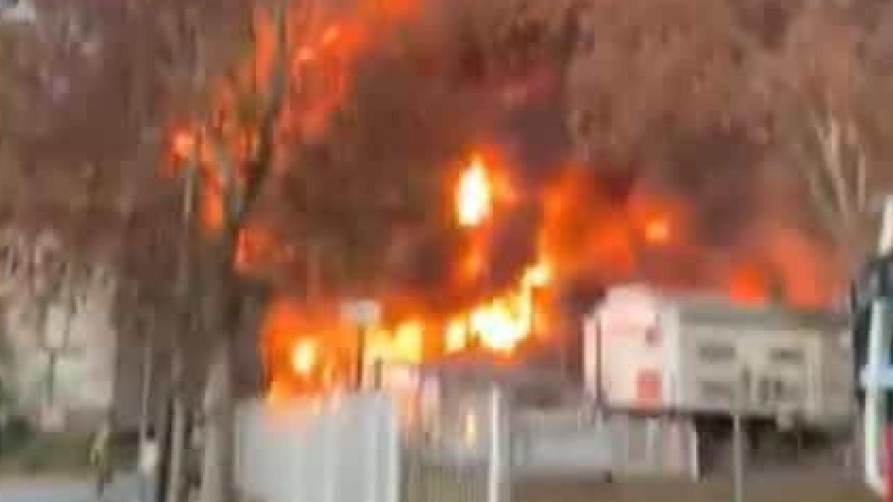Incêndio em fábrica de Barcelona ativa alerta de risco químico