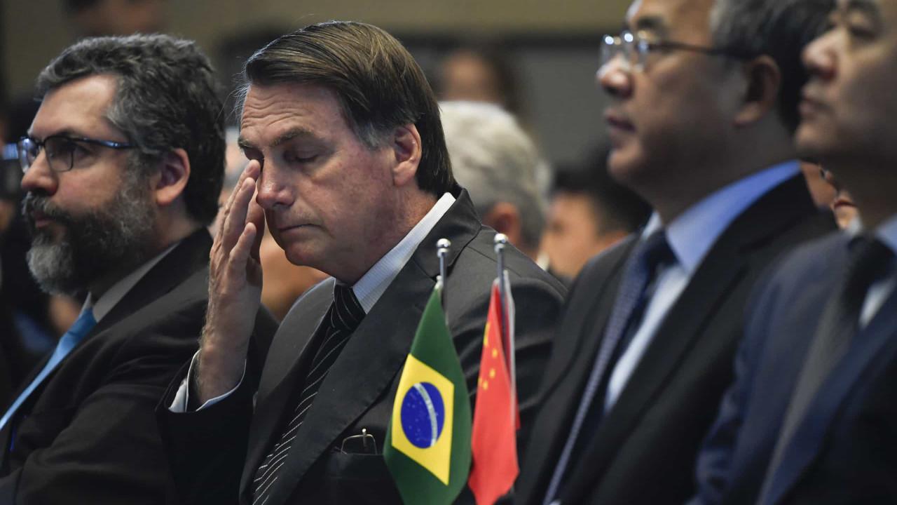 Bolsonaro revoga decreto que proibia cultivo de cana de açúcar