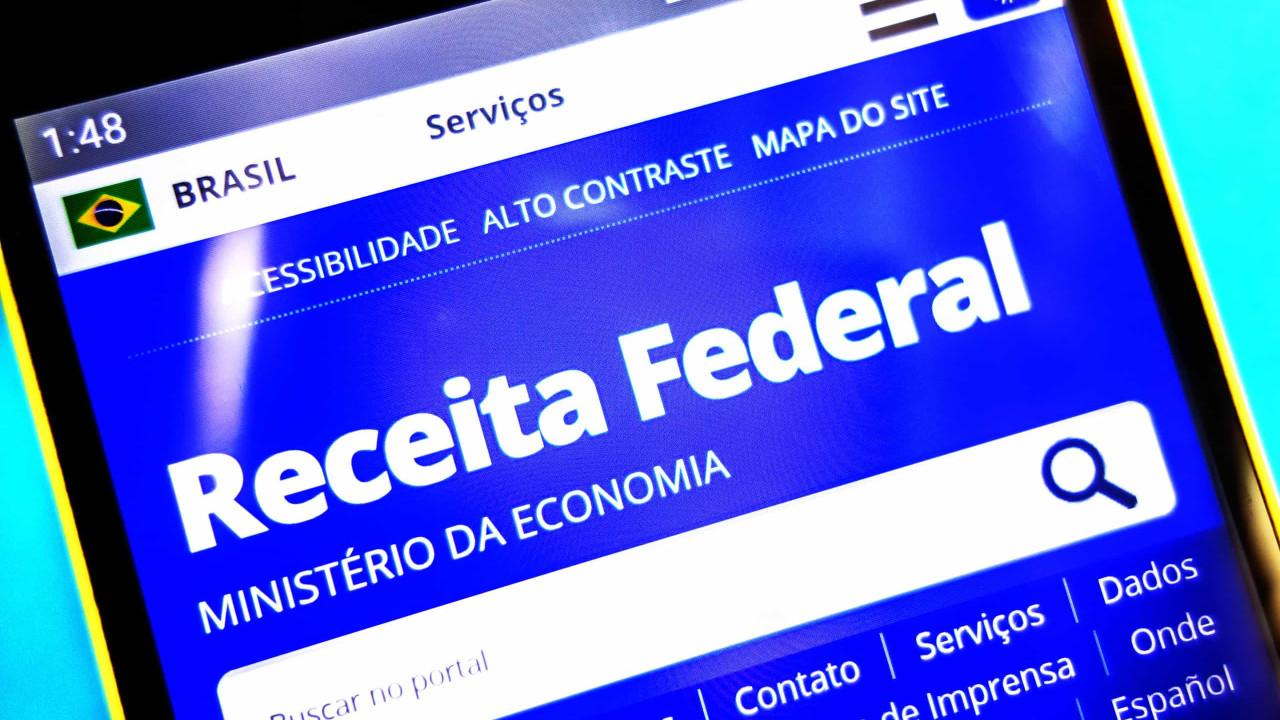 Receita Federal adia para 31 de maio prazo para entrega de declaração de Imposto de Renda