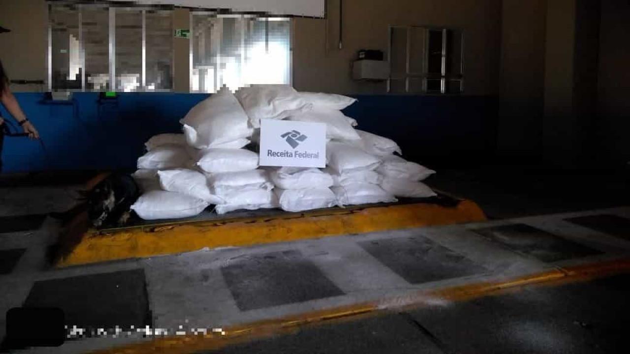 RF apreende 1.482 kg de cocaína em carga de exportação