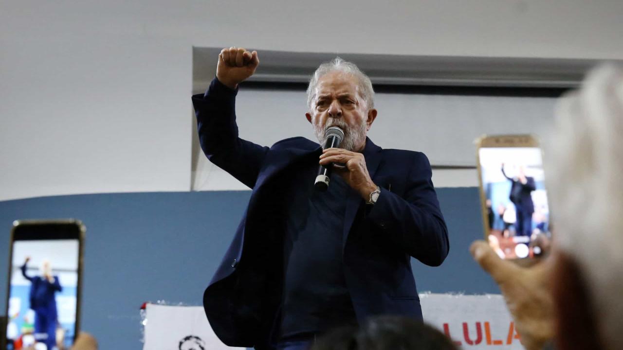 Em reunião com núcleo petista, Lula concentra críticas a Maia e Guedes