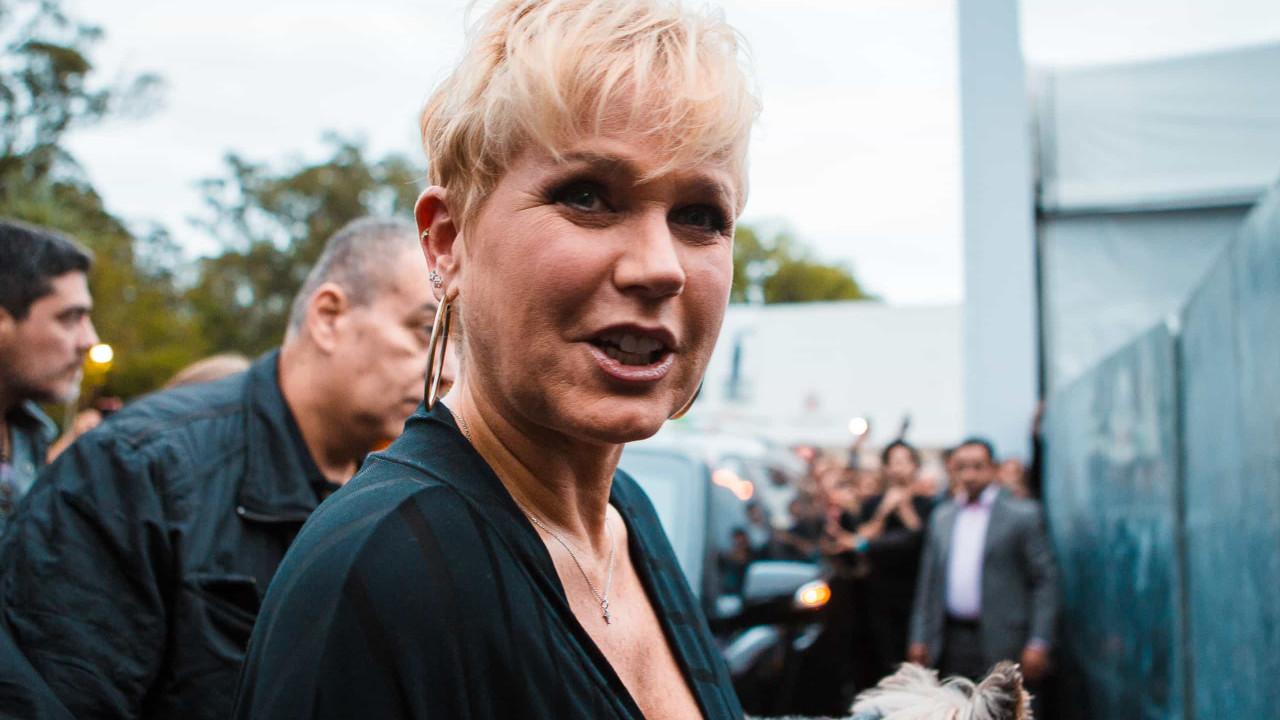 Xuxa diz que mulher que jogou garrafa de água devia ter levado 2 tapas