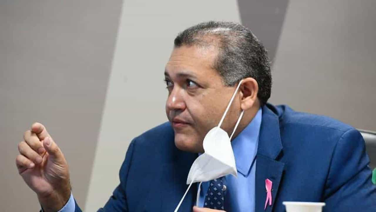 Kassio suspende julgamento sobre portaria que revogou normas de controle de armas