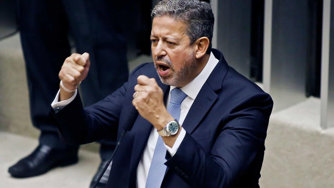 Lira repete que é 'impossível' governo pagar R$ 90 bi em precatórios em 2022