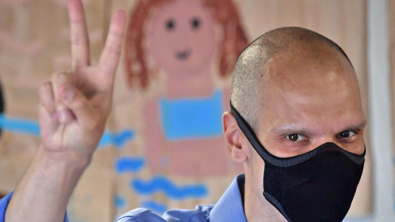 Bruno Covas posa no hospital: 'Sem baixar a cabeça ou perder motivação'