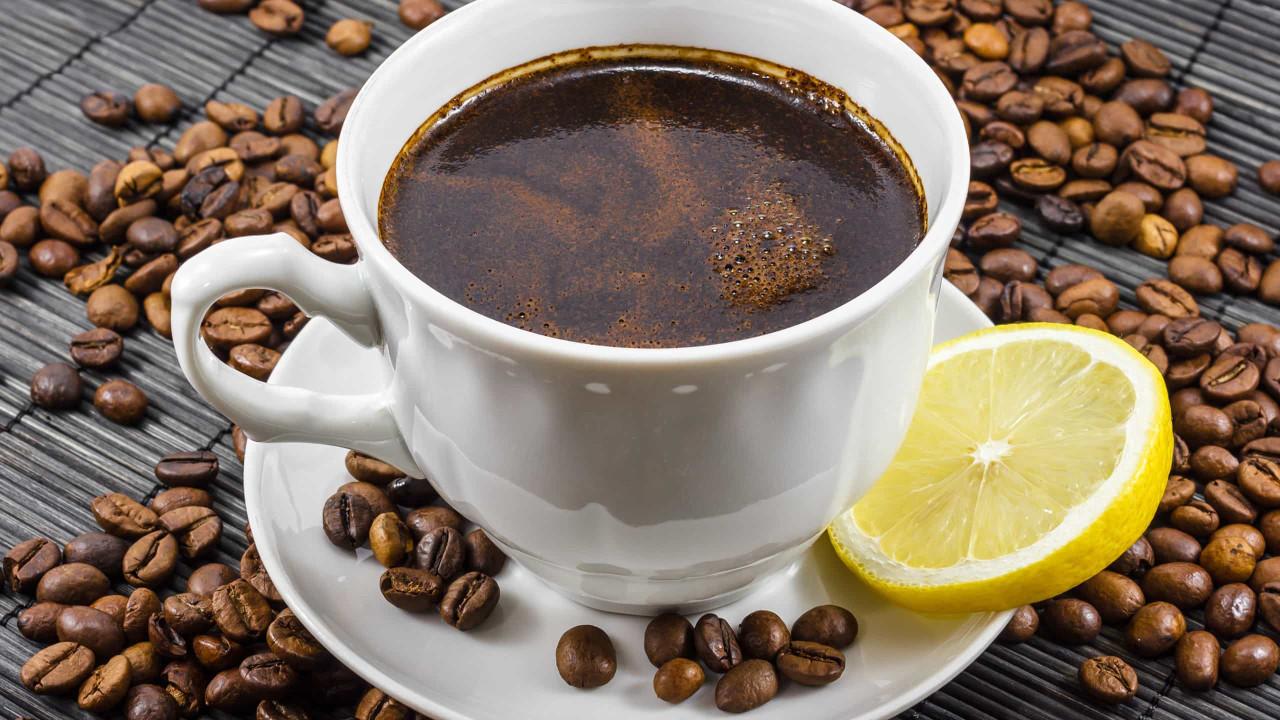 Café com limão. A combinação poderosa que emagrece e queima gordura
