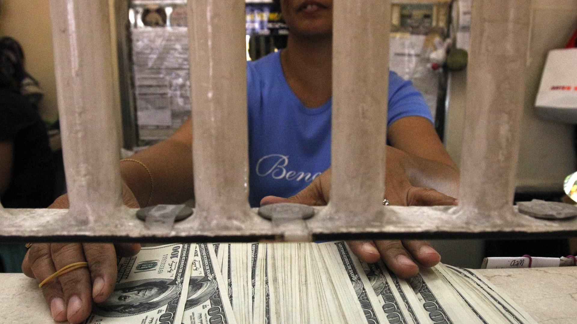 Entrada de dólares supera saída em US$ 9,806 bi no ano até 28 de agosto