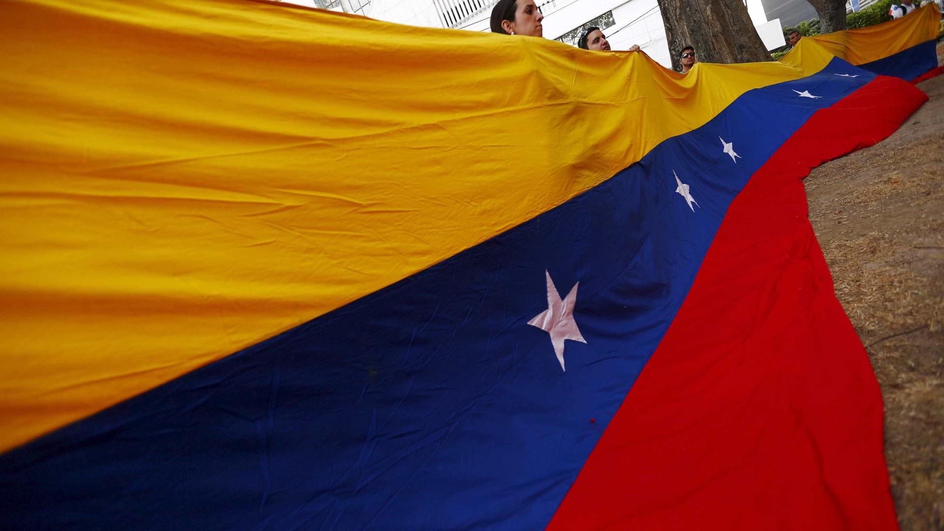 Chanceleres da Venezuela e da Colômbia discutem situação na fronteira