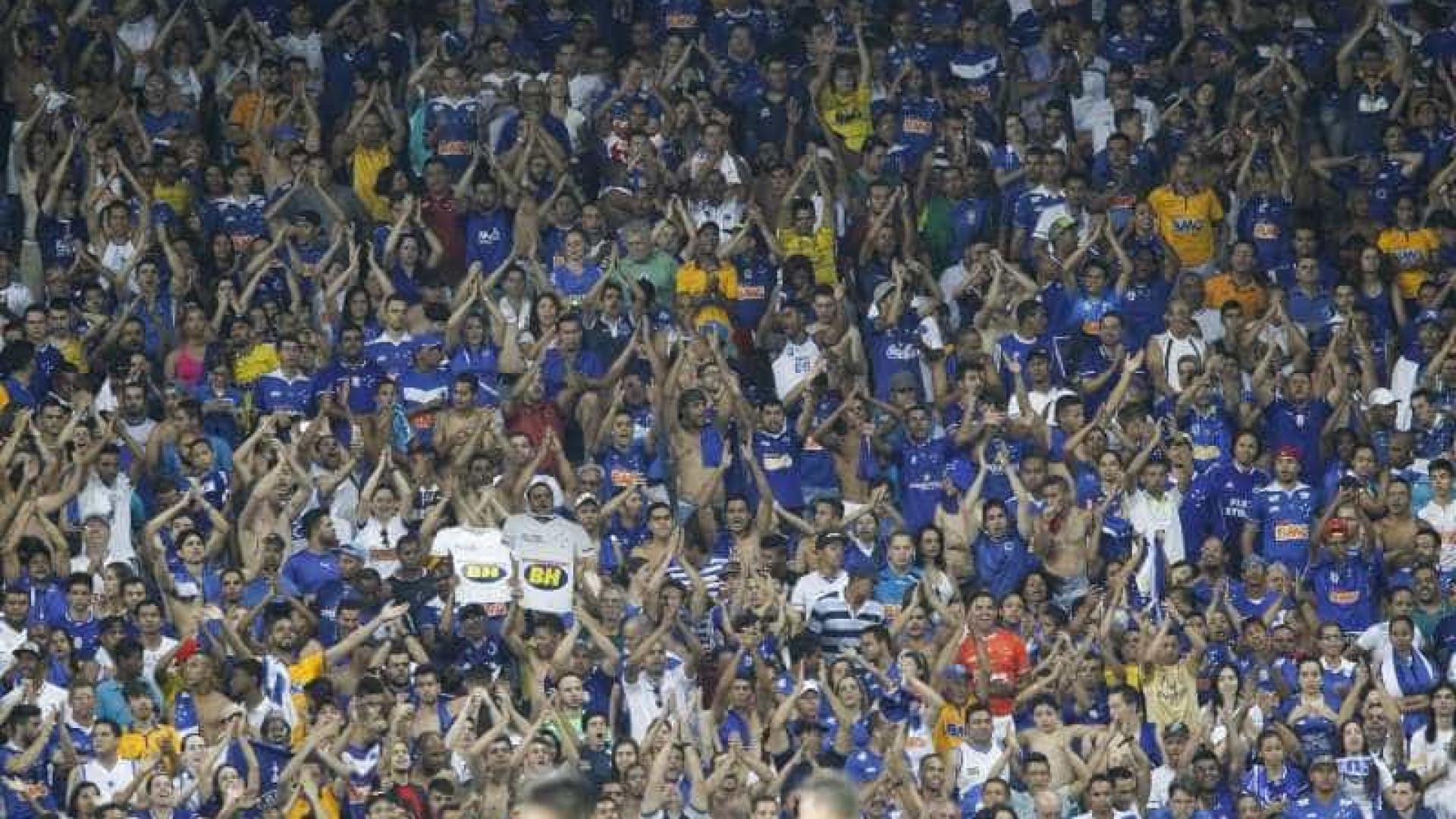 Cruzeiro vence o Coritiba e fica mais longe da zona de rebaixamento