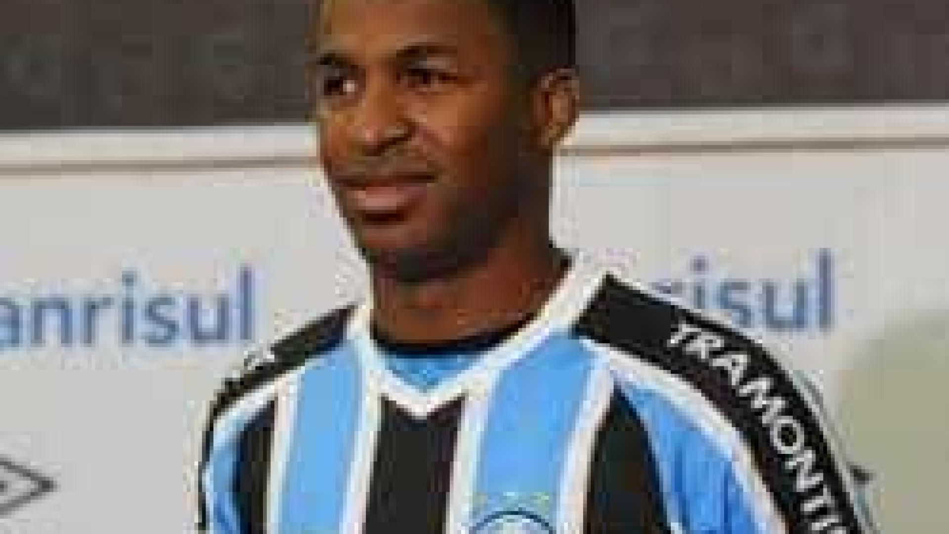 Convocado para seleção, Erazo deve desfalcar o Grêmio