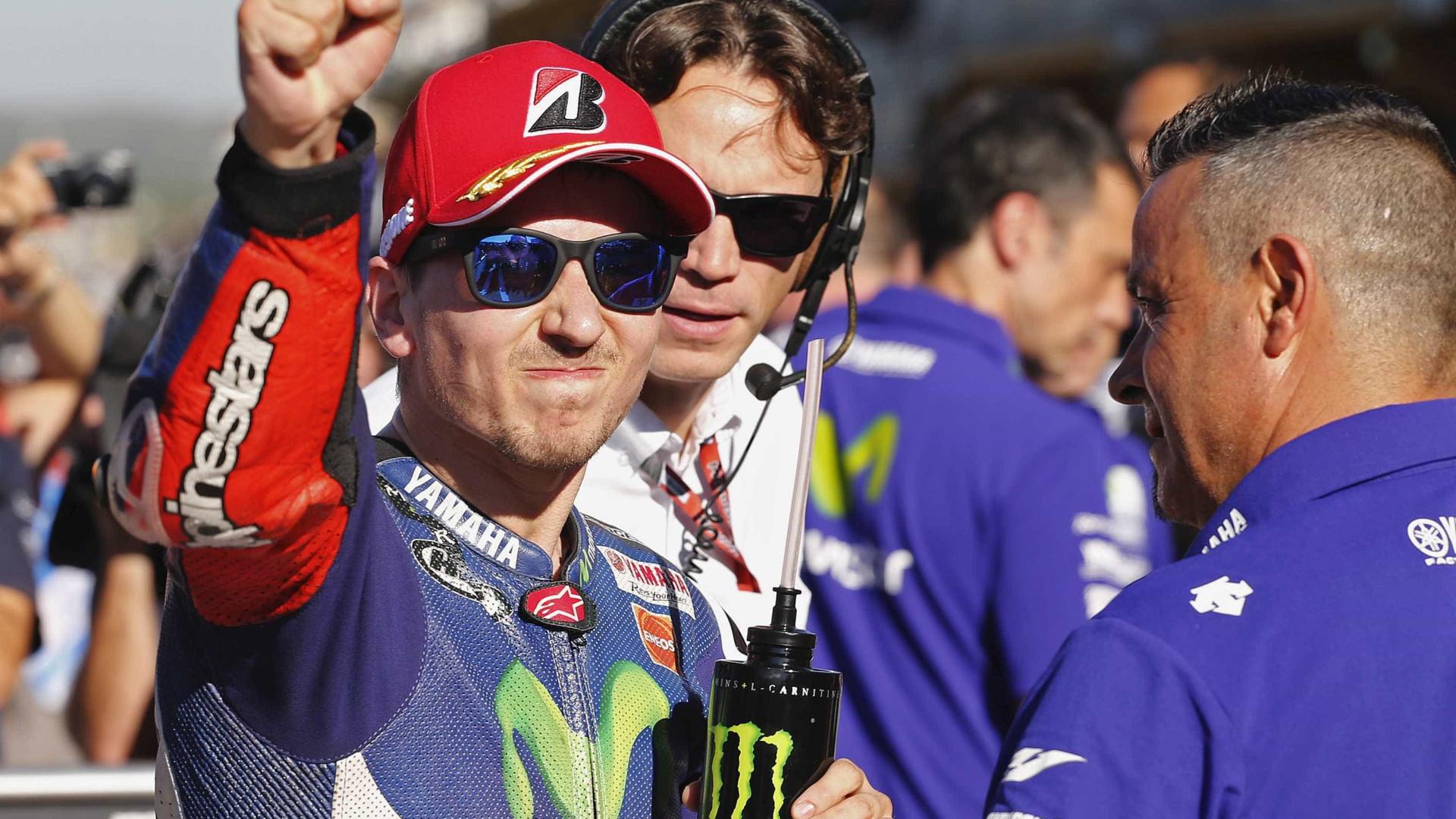 Lorenzo vence em Valência e é campeão na MotoGP; Rossi termina em 4º