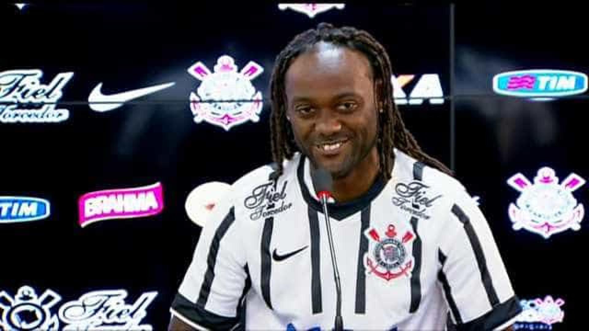 Vagner Love comemora boa fase no Corinthians e faz desabafo