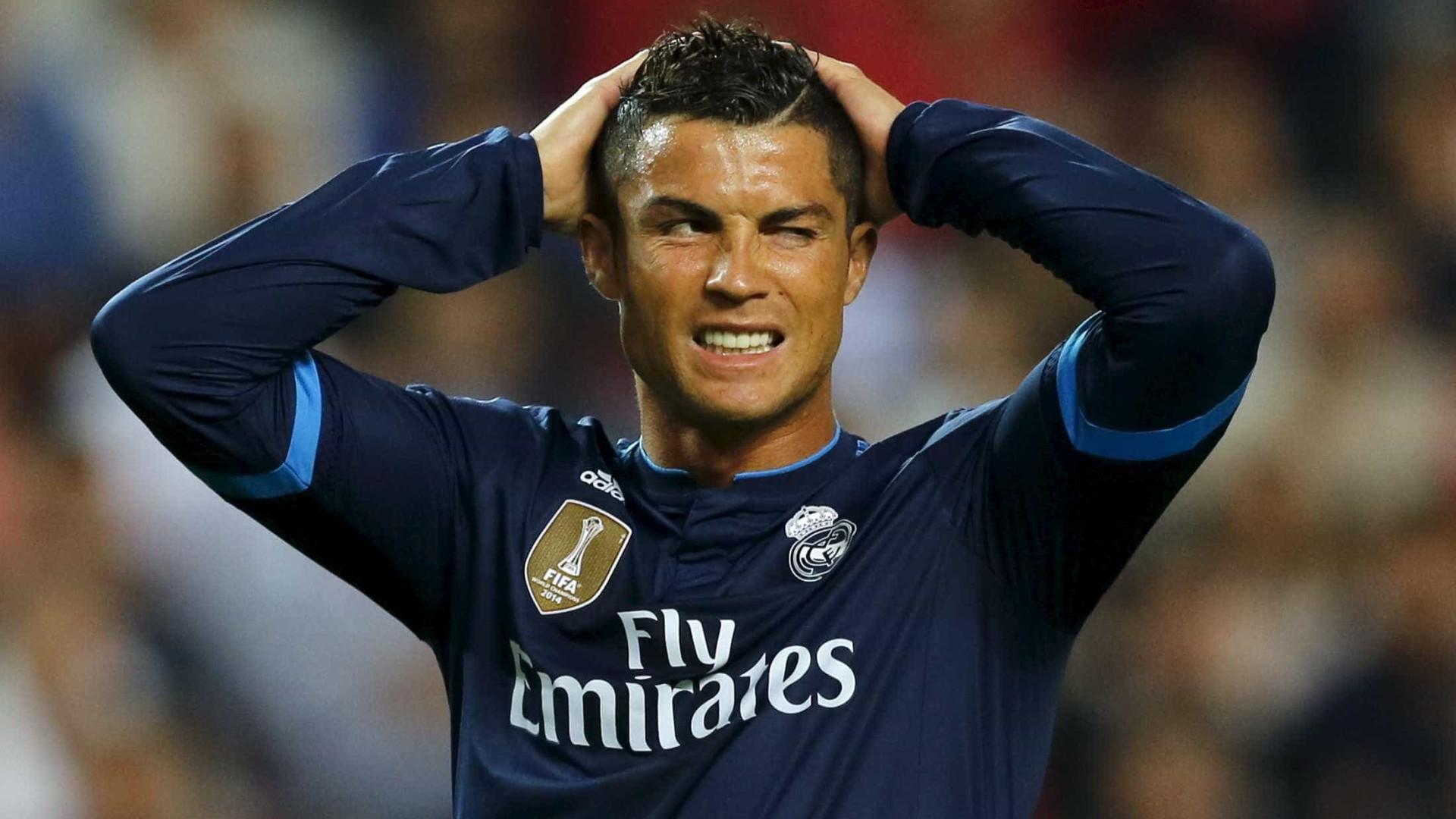 Cristiano Ronaldo está saindo com filha de seu agente, afirma revista