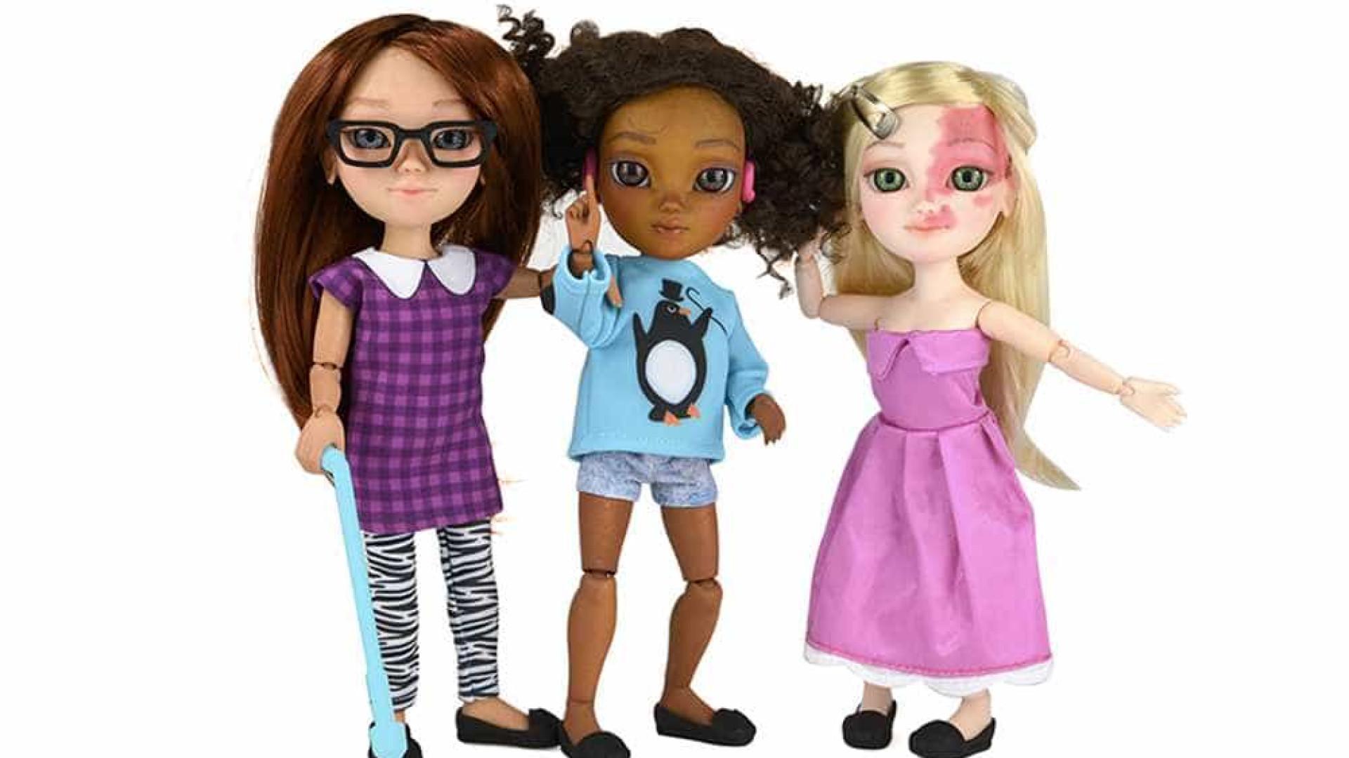 Marca cria bonecas com deficiências físicas para promover a inclusão