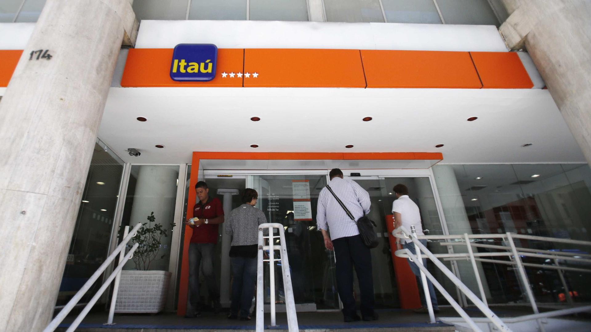 Bancos demitiram 97% mais em  2015, aponta pesquisa