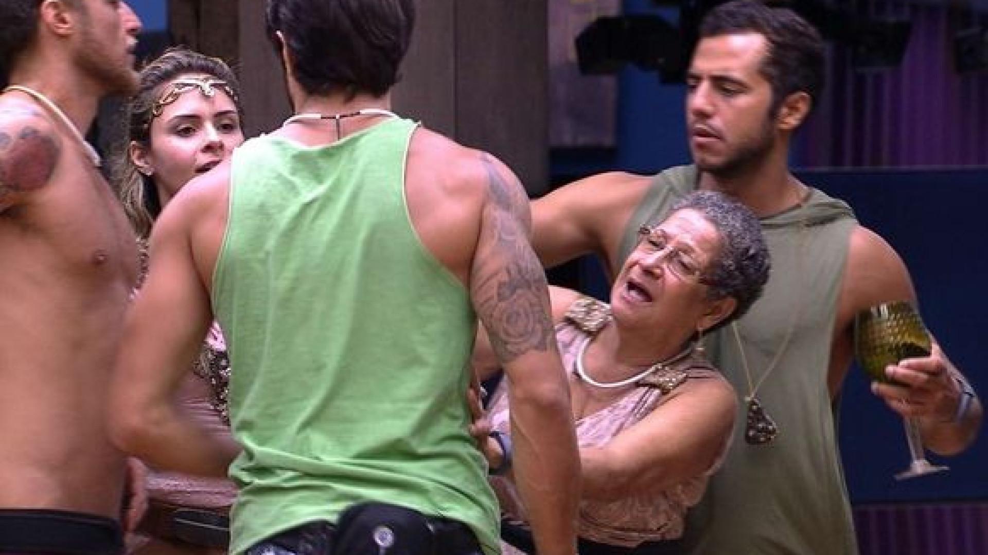 BBB16: Renan pode ser expulso por 'agredir' Geralda