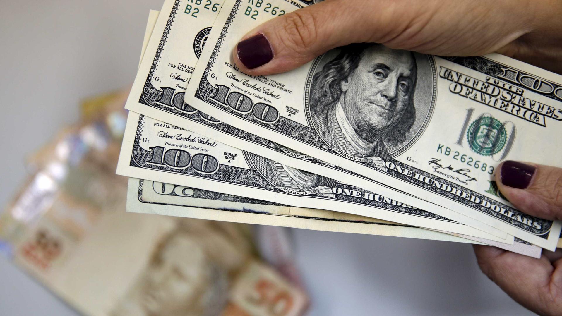Câmbio do dólar para fim de 2017 sobe de  R$ 4,23 para R$ 4,30