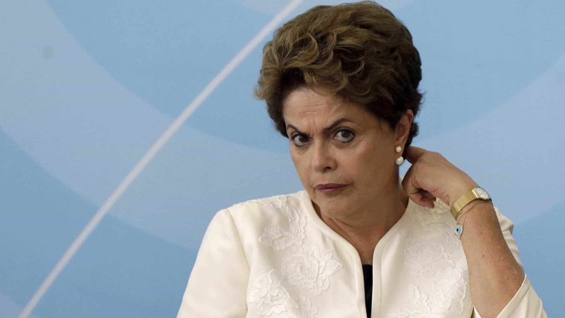 Dilma aceita trocar CPMF por proposta alternativa, afirmam deputados