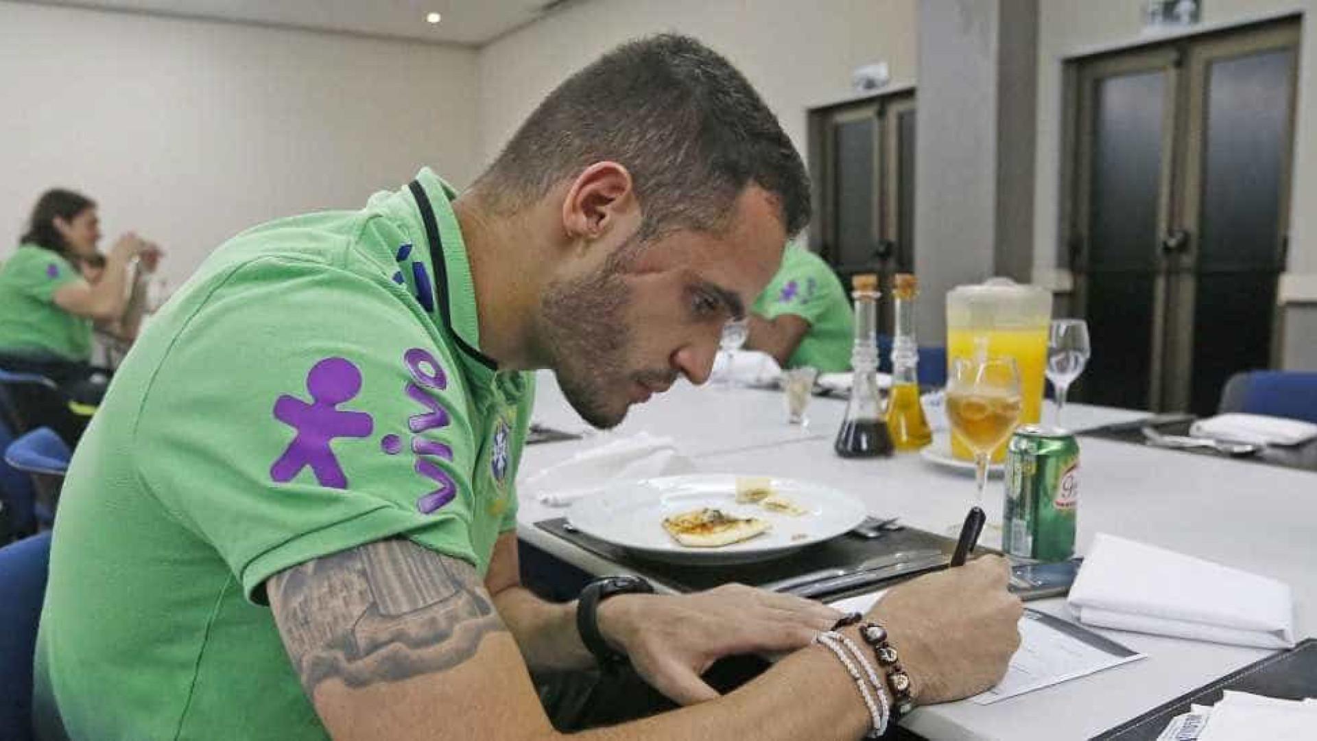 Seleção se apresenta ainda sem Neymar para jogos das Eliminatórias