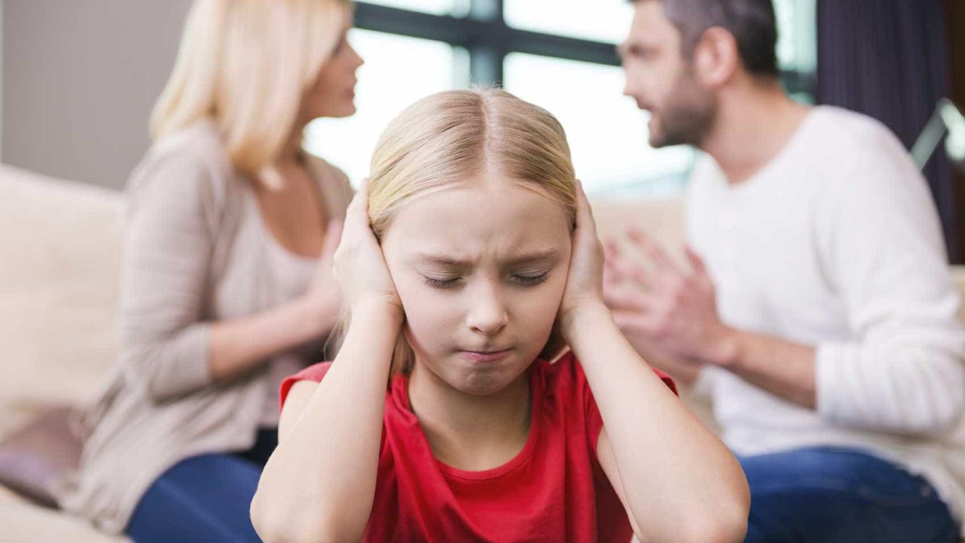 Como as discussões entre os pais podem  prejudicar os filhos