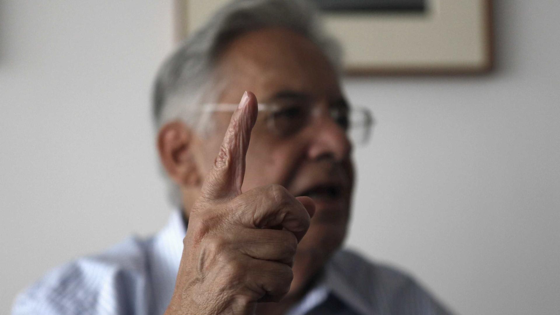 'Impeachment não é golpe, é remédio institucional', afirma FHC