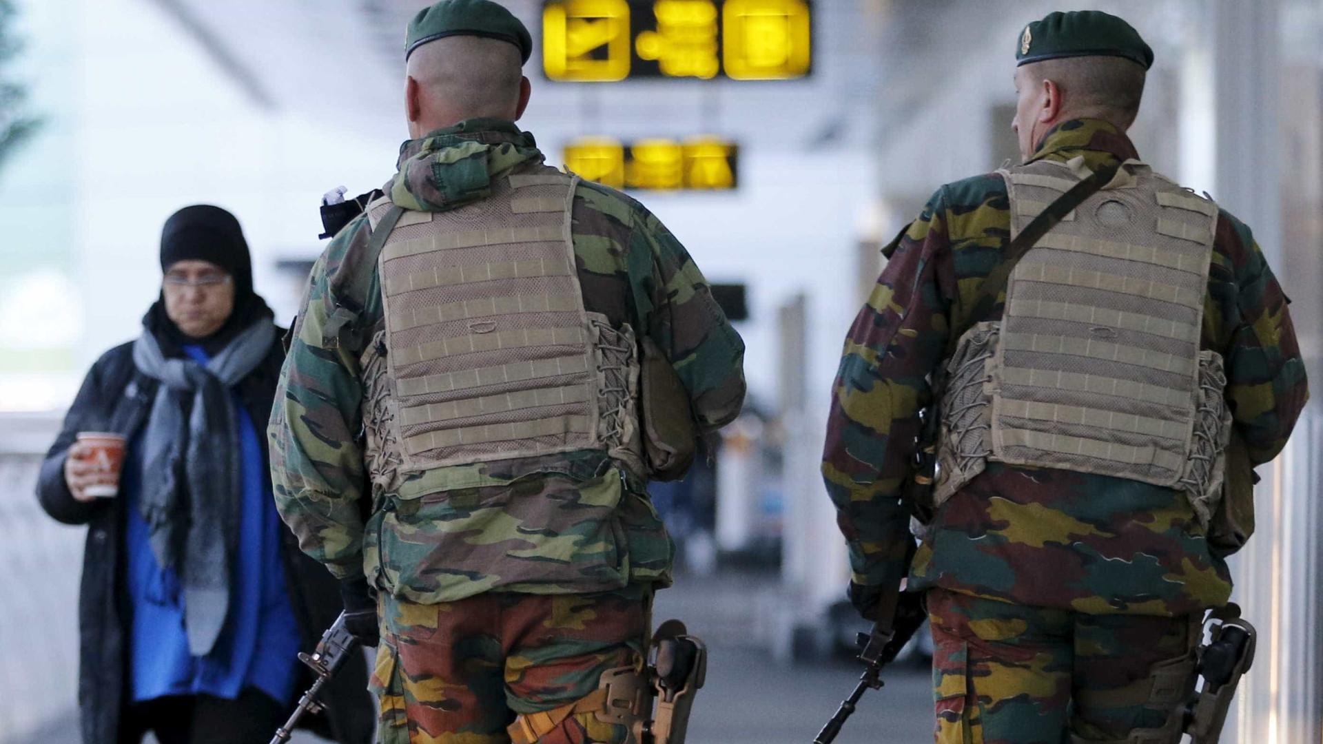 Ministra belga se demite por questões de segurança de aeroporto