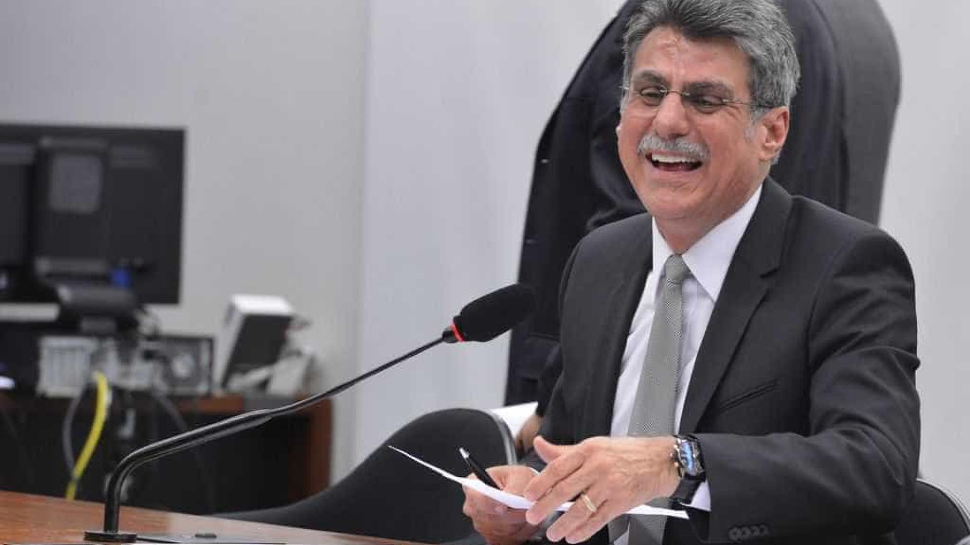 PMDB vai decidir em 30 dias se mantém apoio ao governo, diz Jucá