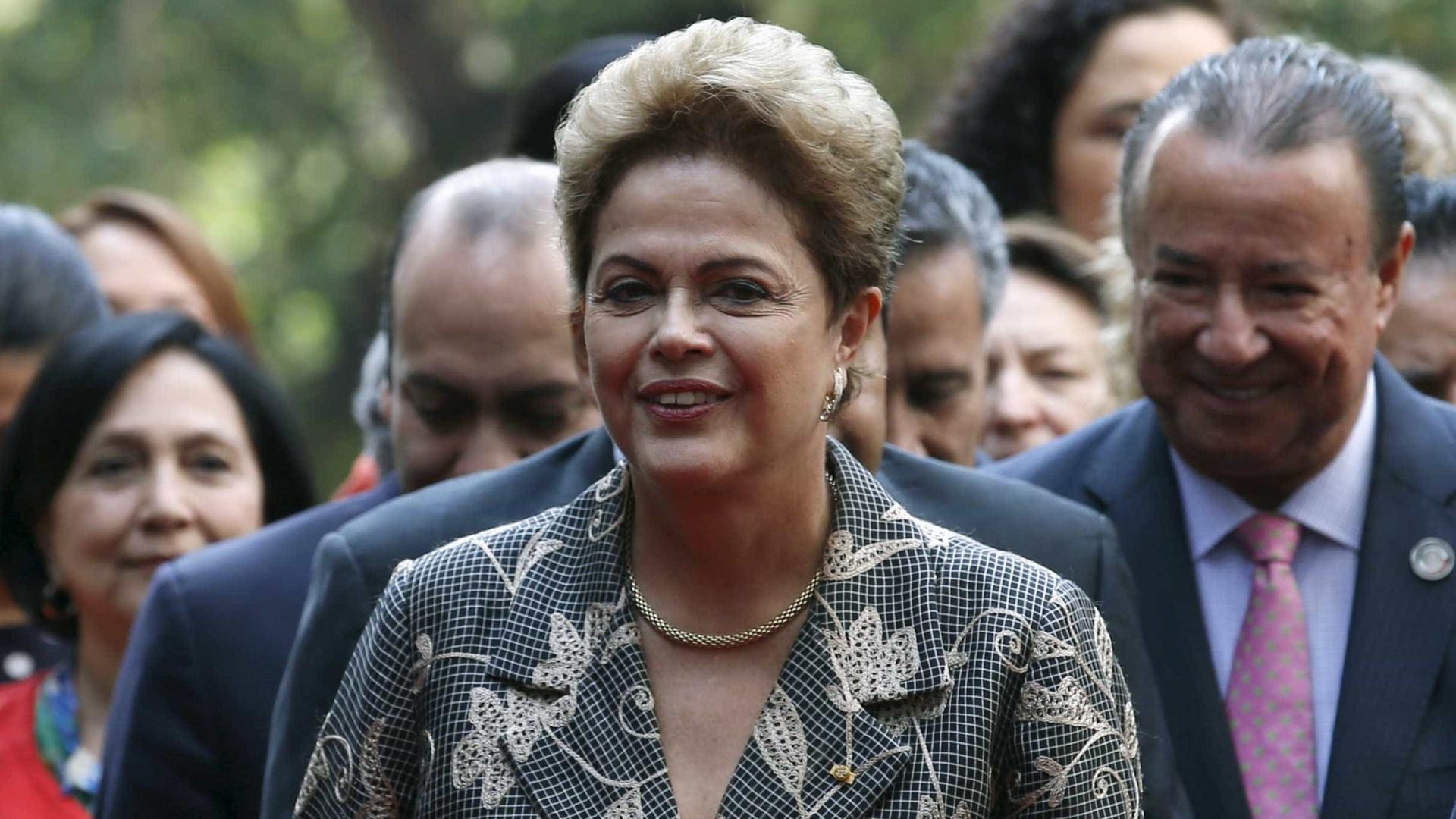 Dilma tem até segunda para defesa na Comissão do Impeachment