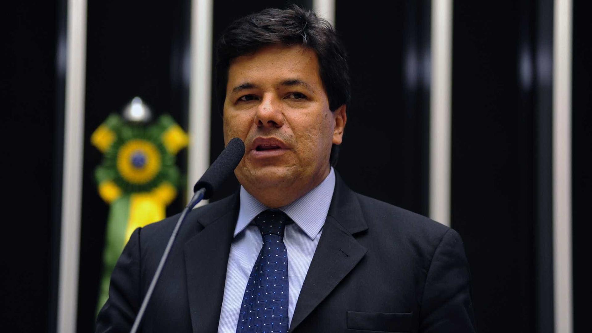 Ministro diz que revisão da meta fiscal garante Pronatec, ProUni e Fies