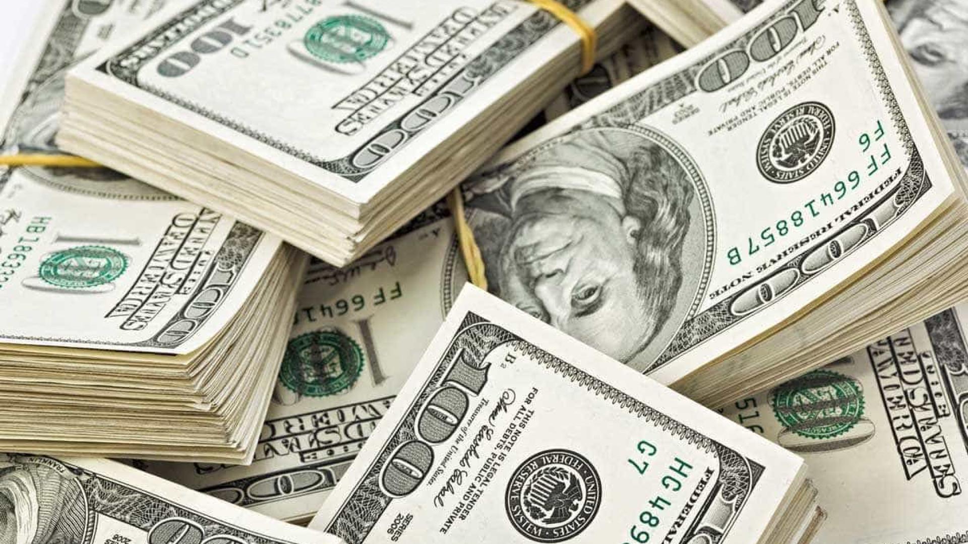 Nos primeiros três meses do ano, compra de moeda estrangeira caiu 21%