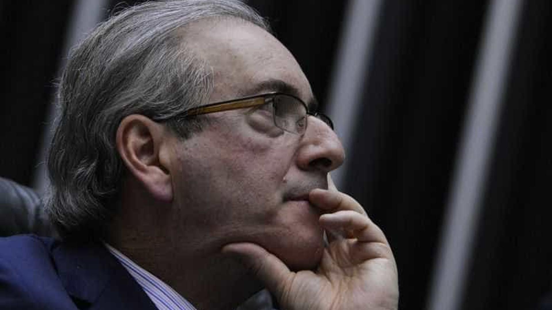 Cunha deve fechar acordo e renunciar à  presidência da Câmara, diz jornal