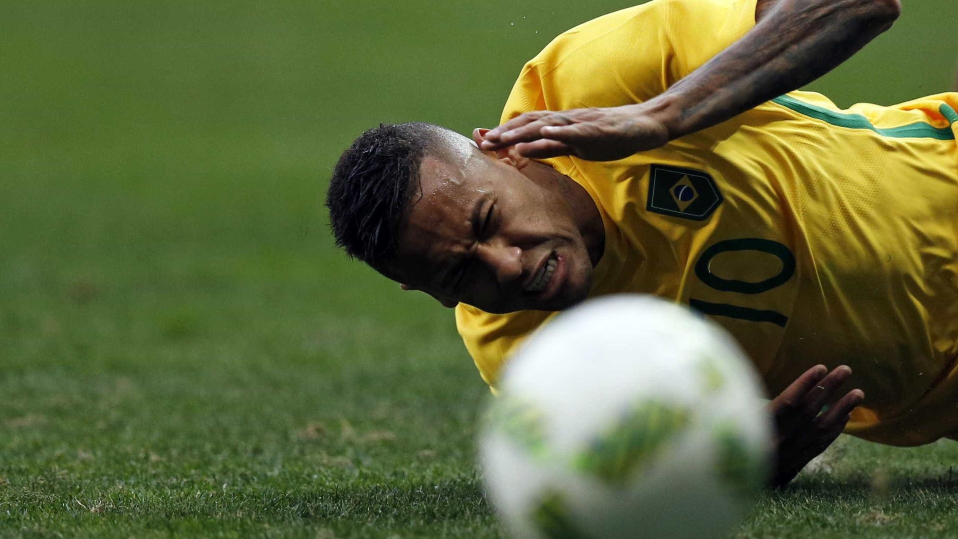 Membro da comissão técnica aponta problema de Neymar