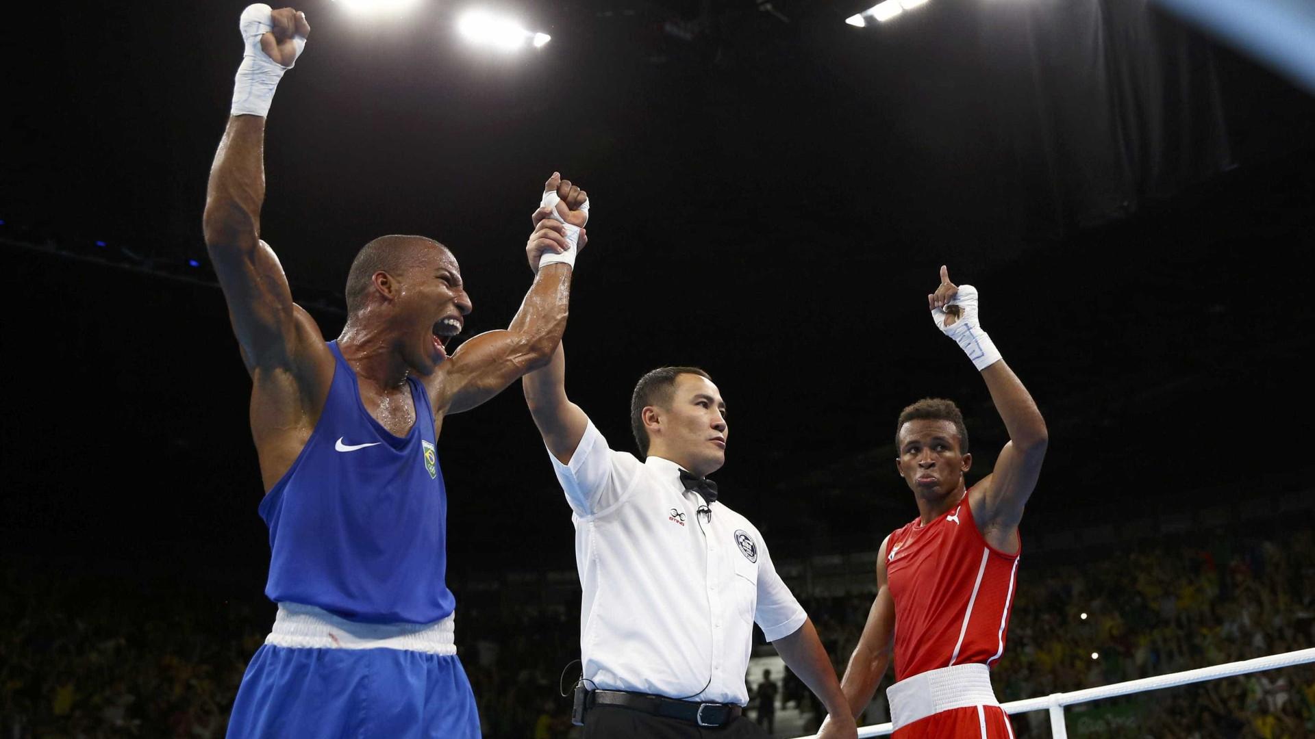 Robson Conceição derrota cubano e  disputará ouro no boxe