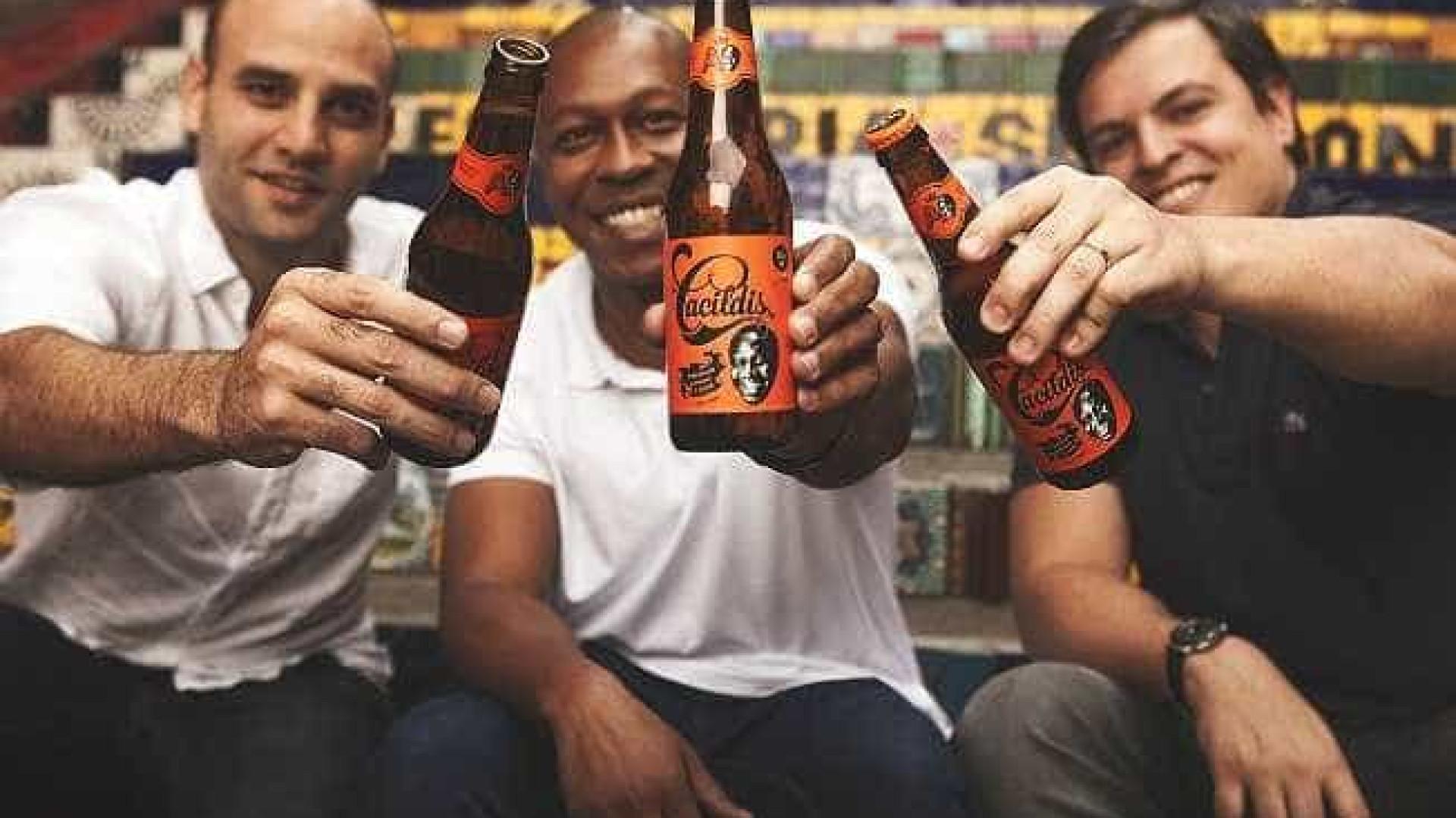 Filho de Mussum brinda sucesso de cerveja criada em homenagem ao pai