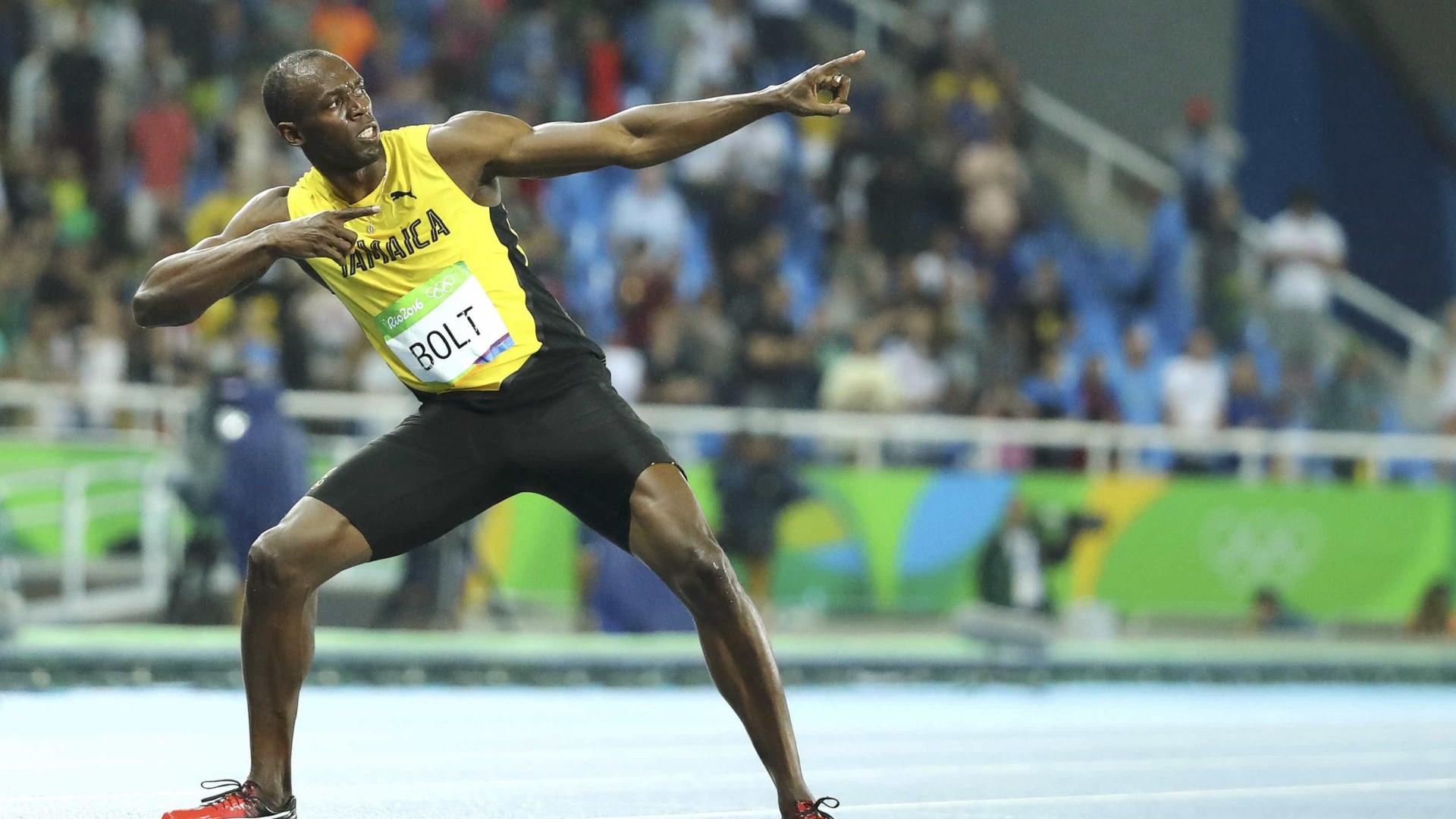 Bolt é vítima de pegadinha, mas repórter  estraga brincadeira