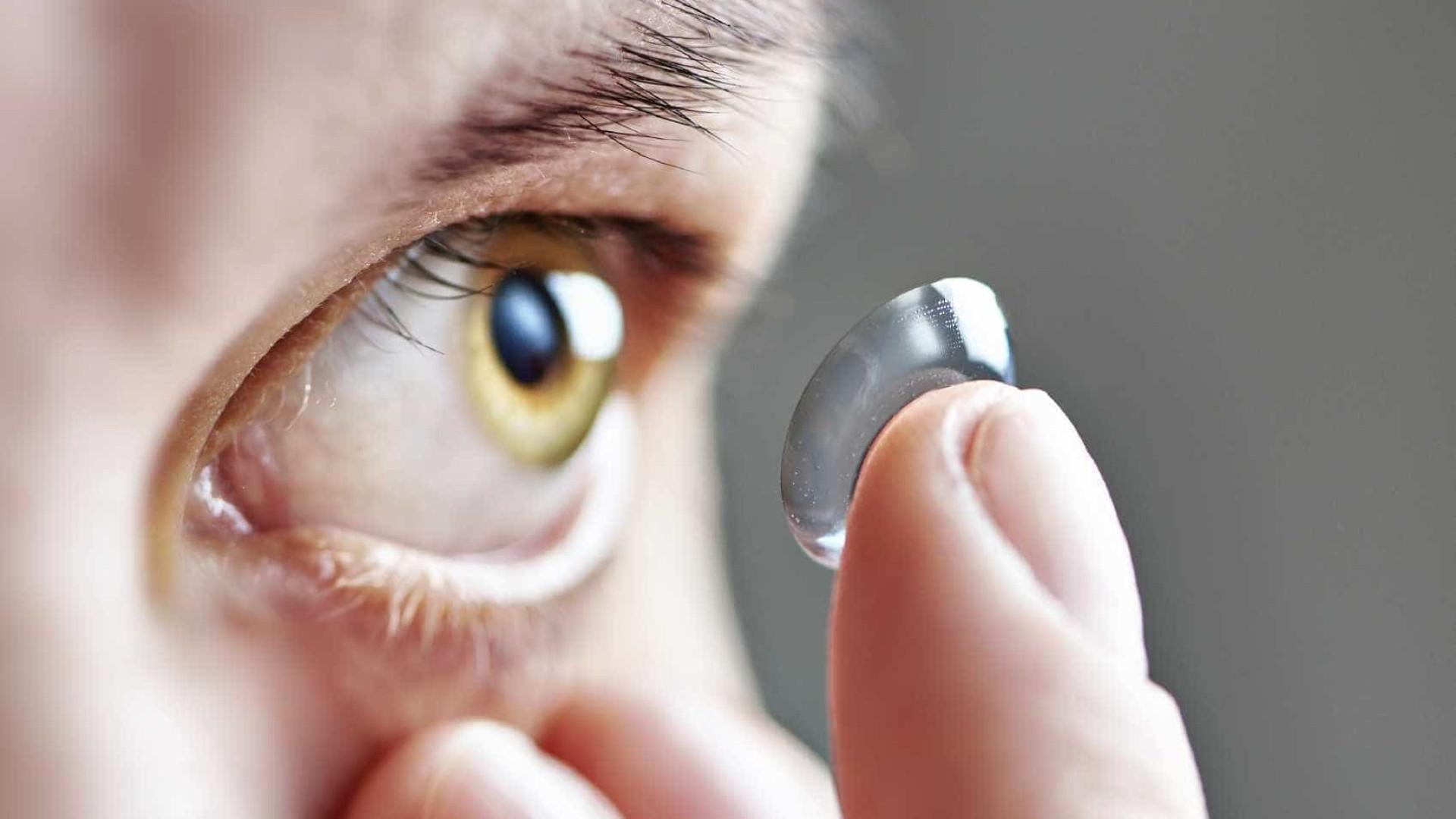 Especialistas alertam que dormir com lentes  pode levar à cegueira