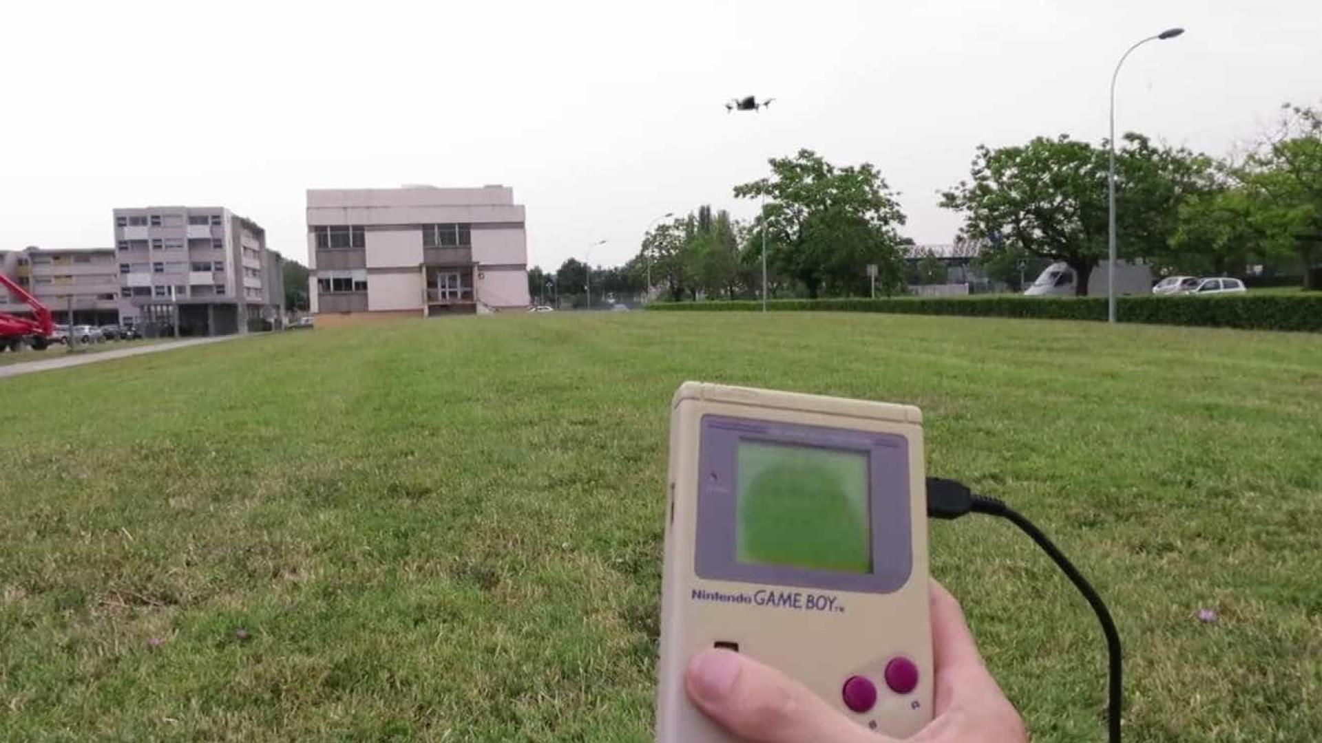 Game Boy antigo pode funcionar como  controle remoto de drones