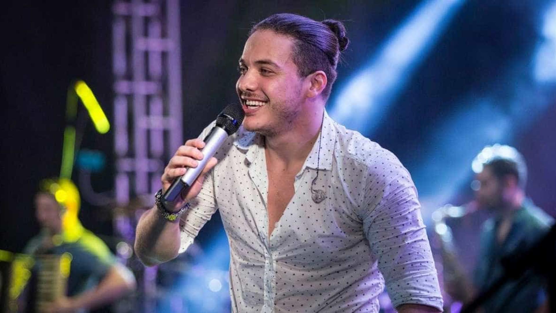 Safadão dedica música à separação de Fátima Bernardes e Bonner