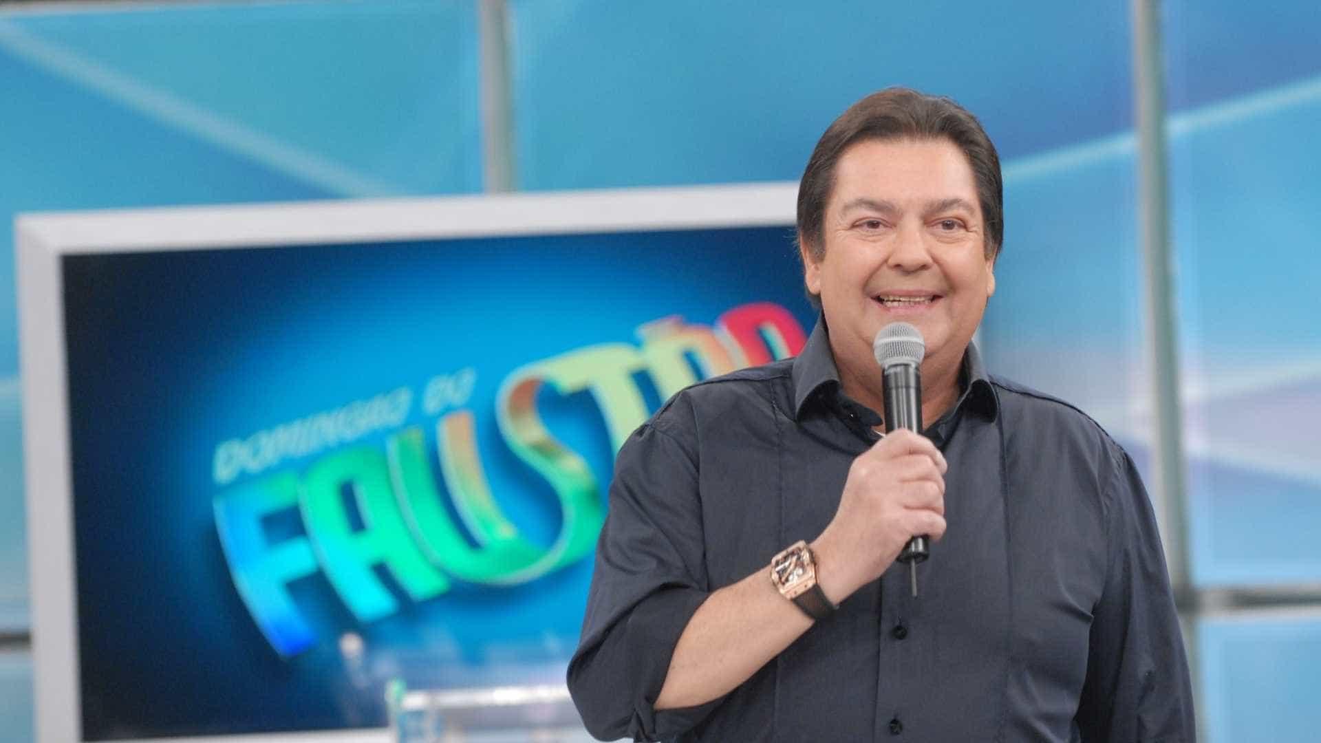 SBT fura programas da Globo e faz  longa entrevista com Faustão