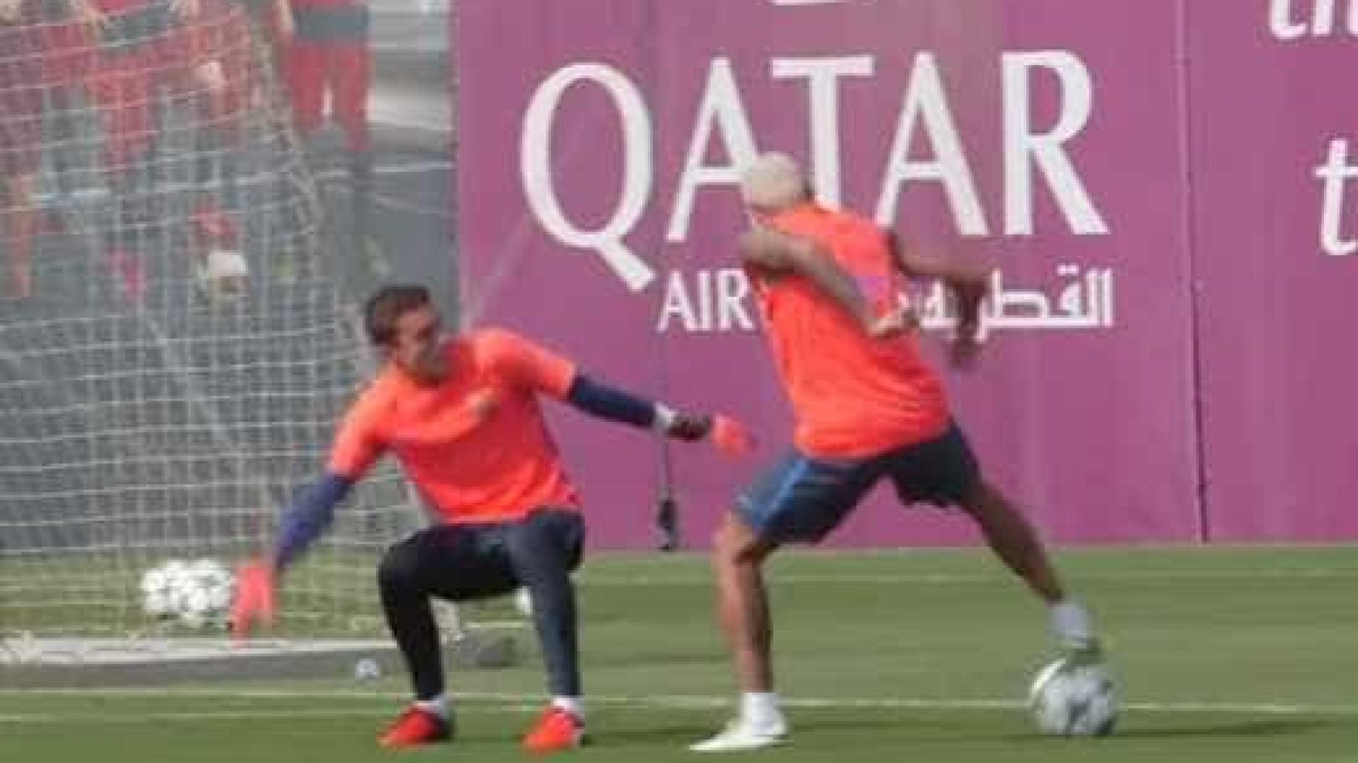 Neymar esbanja habilidade em treino do Barcelona; assista