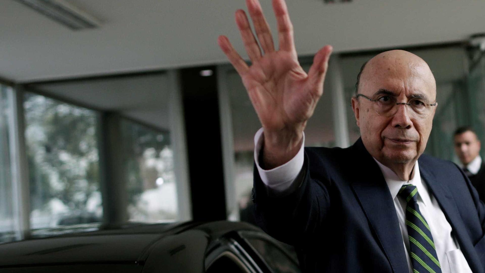 Economista questiona: queda de Dilma  foi ordenada por Wall Street?