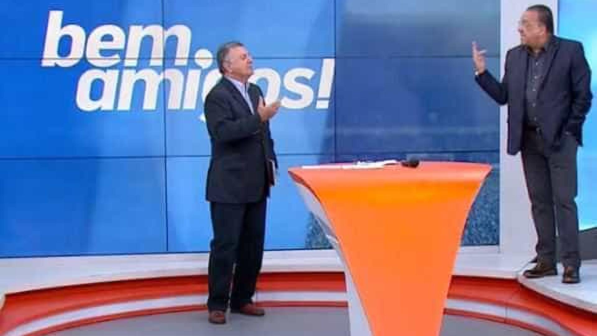 Galvão e Tite batem boca com Arnaldo sobre uso da tecnologia no futebol