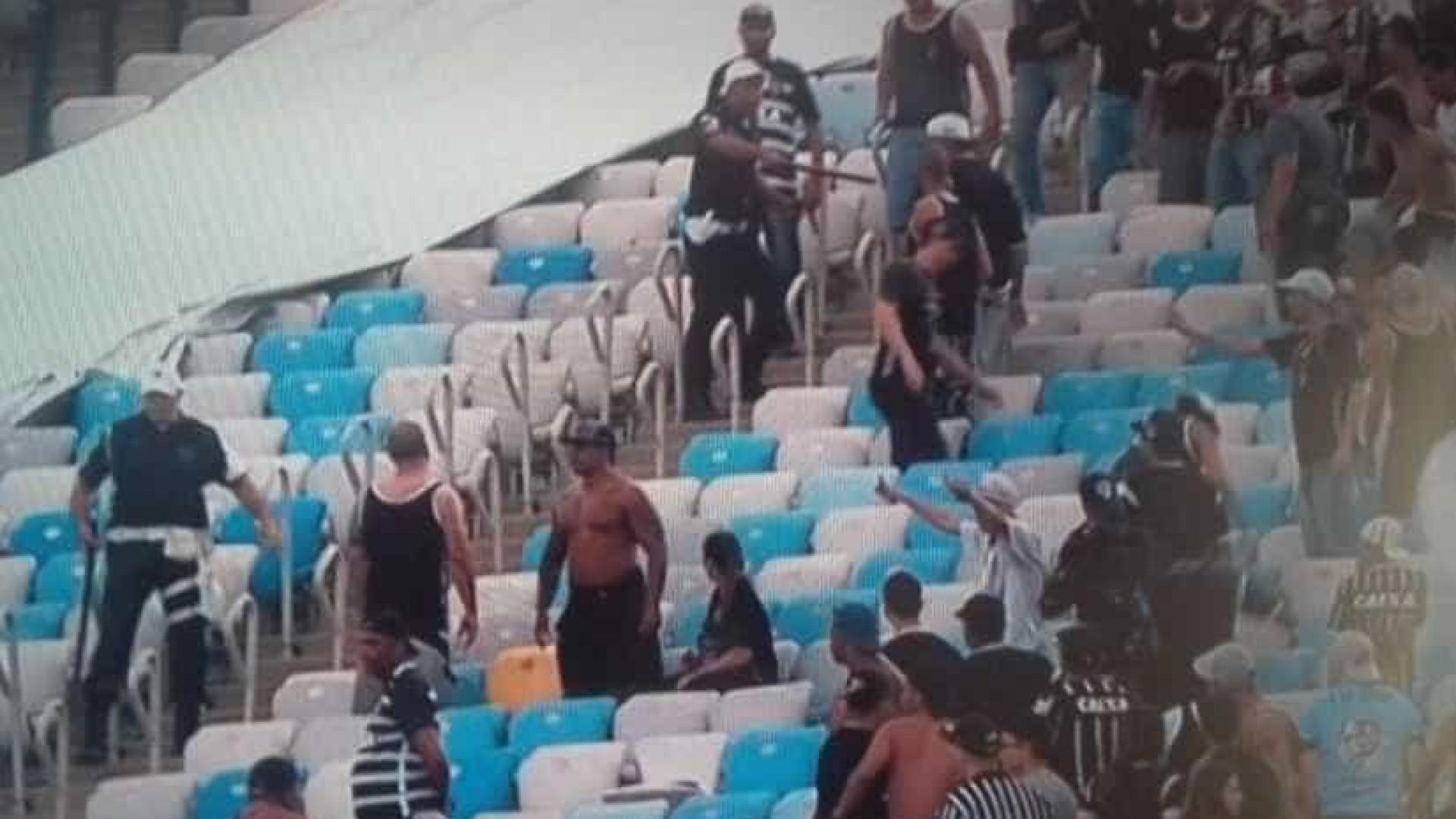 Corinthians detona PM do Rio por 'aprisionar' torcedores no Maracanã