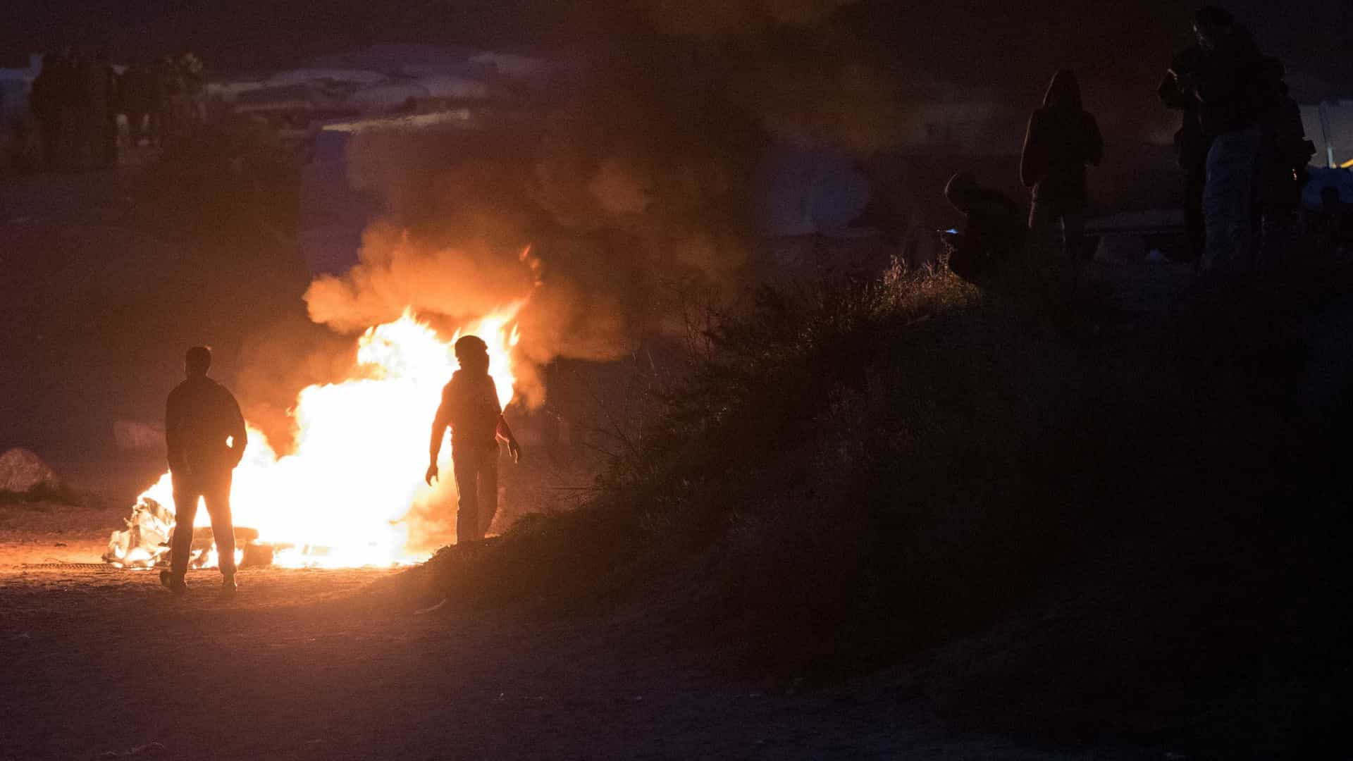 Evacuação de Calais já removeu 2,3 mil pessoas