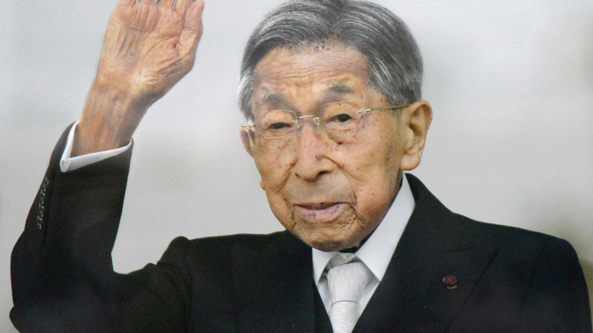 Príncipe Mikasa, da família imperial do  Japão, morre aos 100 anos