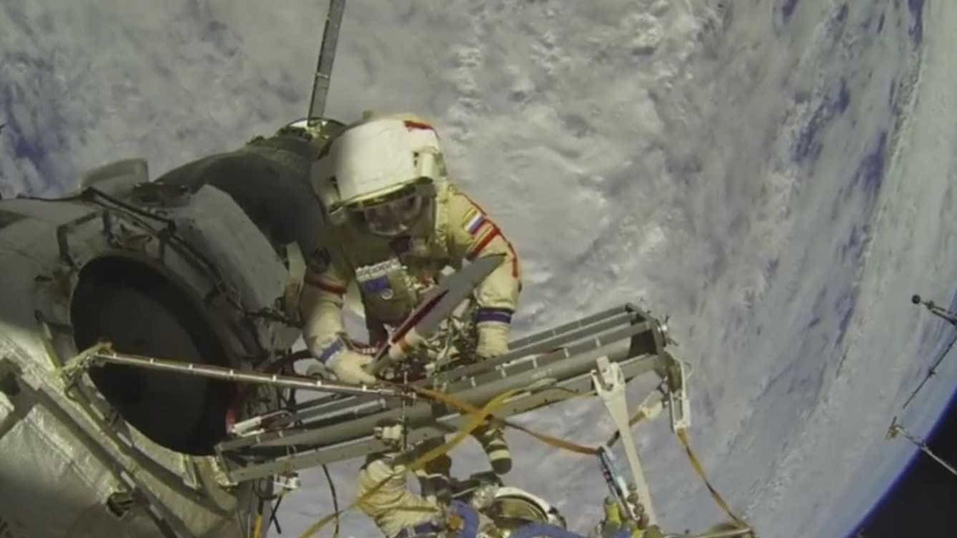 Ao vivo de astronautas no espaço em página do 'Face' era mentira