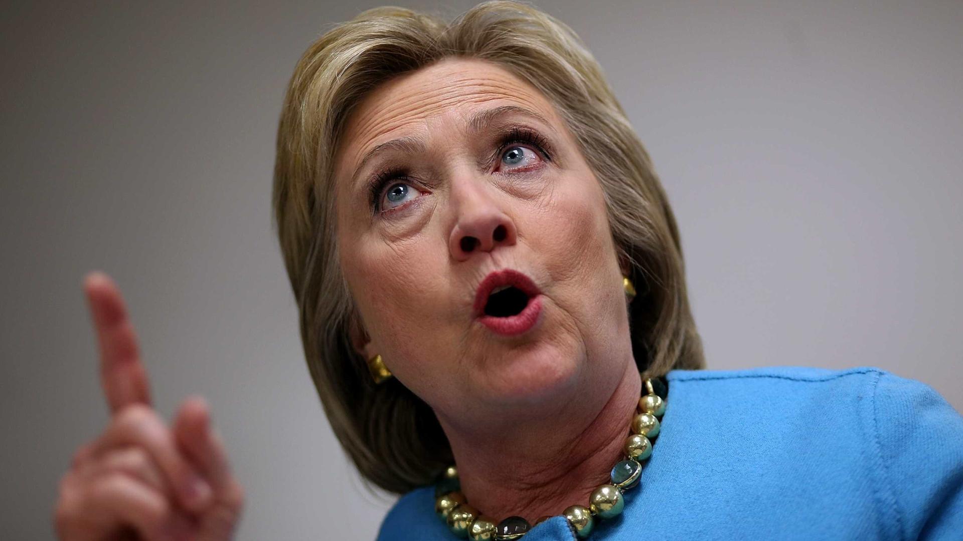 Emails que podem complicar Hillary partiram de braço direito