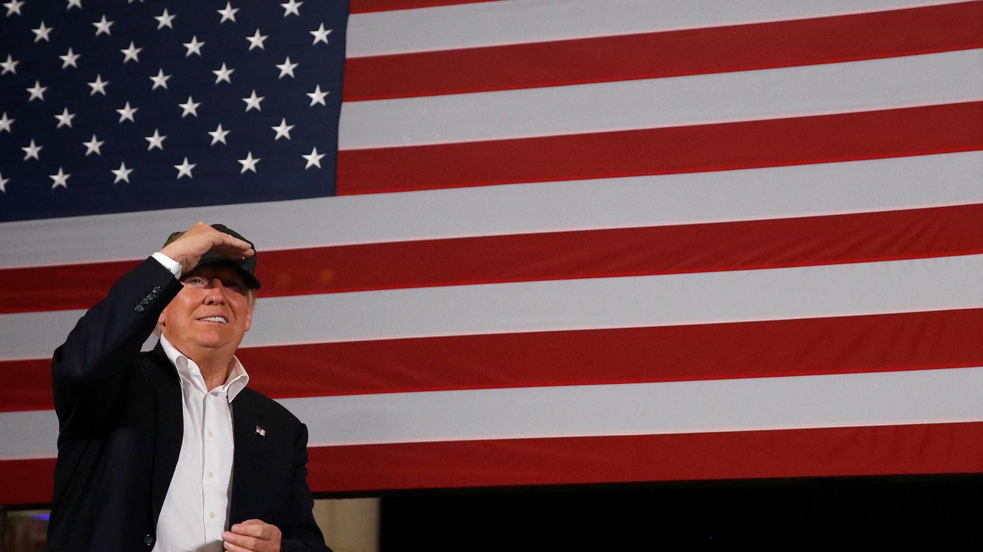 Sede de campanha de Trump se prepara para celebrar vitória