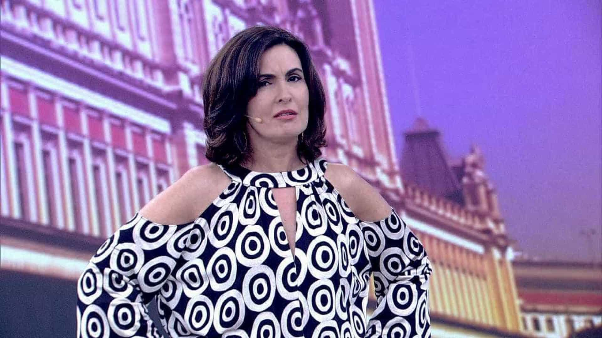 Fátima Bernardes pede que ninguém comente divórcio, diz colunista