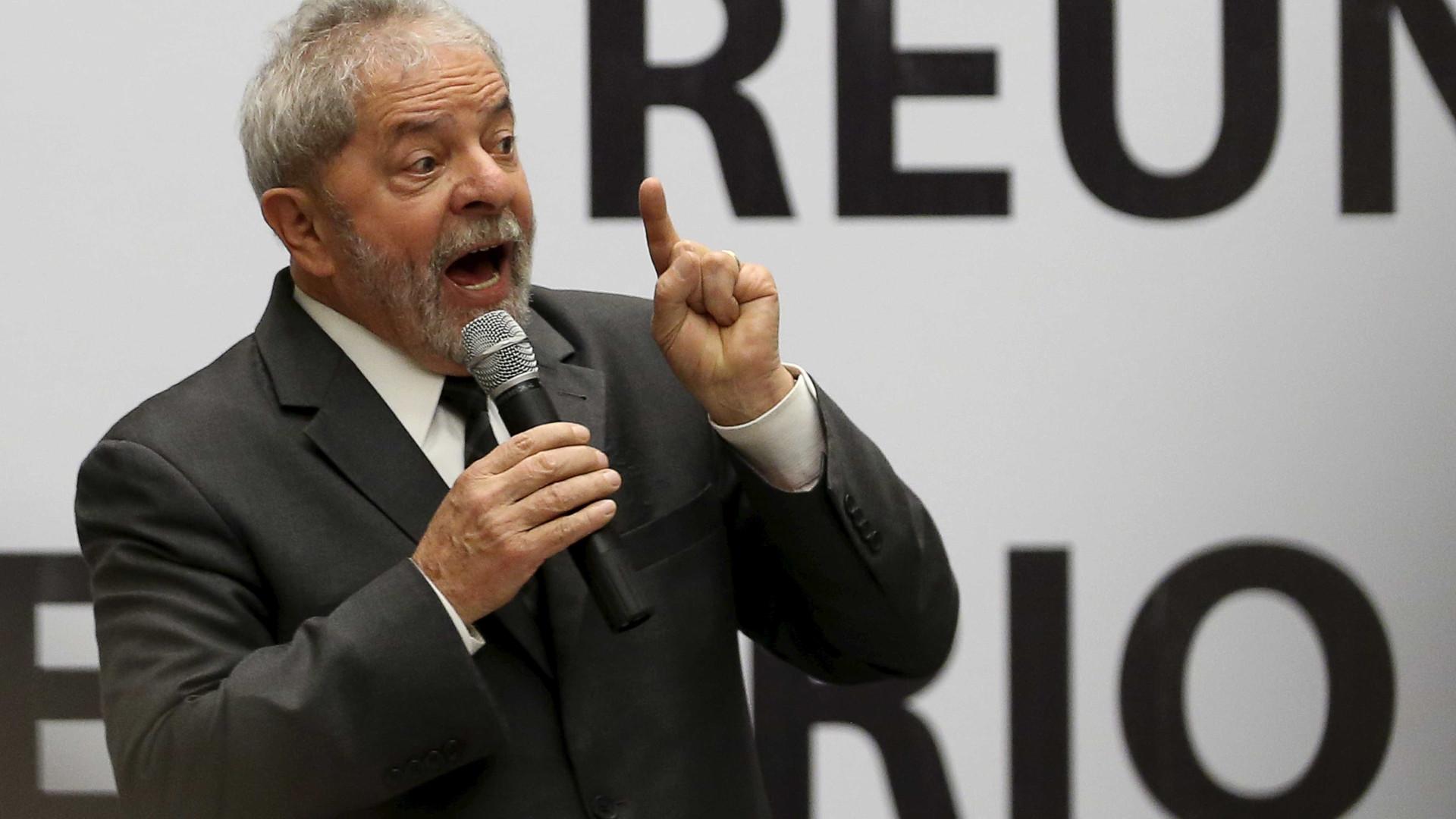 Lula sabia da corrupção na Petrobras, diz Delcídio ao MP